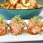 21-Tartar de Salmon com Chips de Aipim
